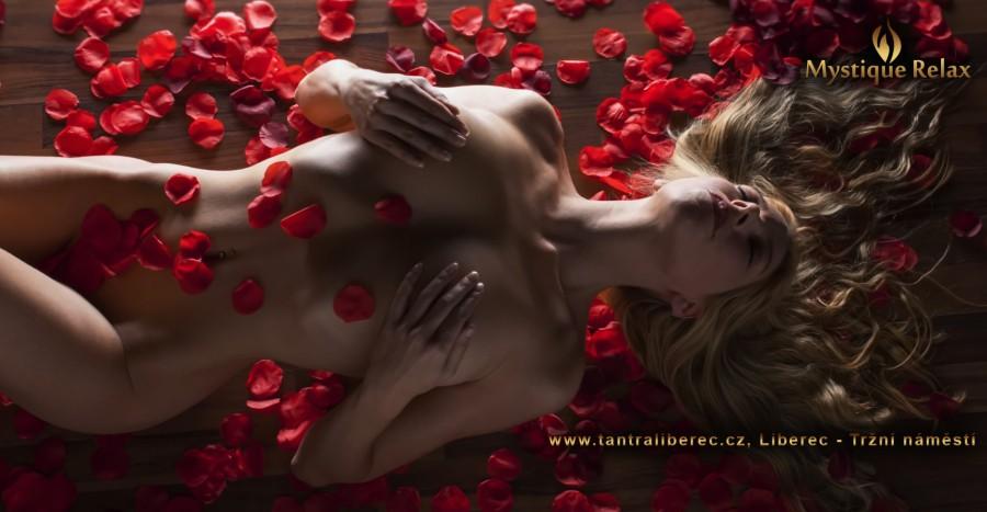 Facebook smyslná masáž sexuální hračky